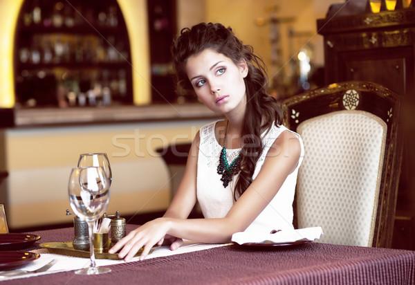 Luxus stílusos romantikus nő étterem bor Stock fotó © gromovataya