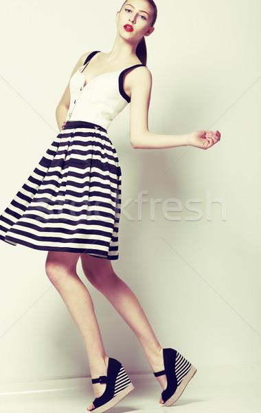 Feminine 60s Mode Stil ziemlich stylish Stock foto © gromovataya