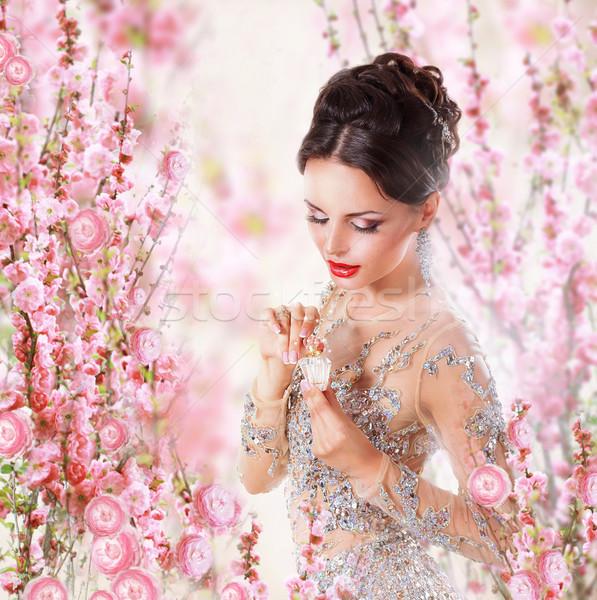 Kobieta perfum kwiatowy twarz wzrosła projektu Zdjęcia stock © gromovataya