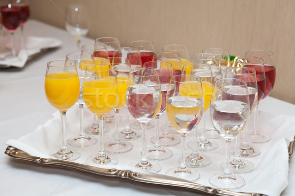 Kırmızı sarı meyve suyu gözlük düğün Stok fotoğraf © gsermek