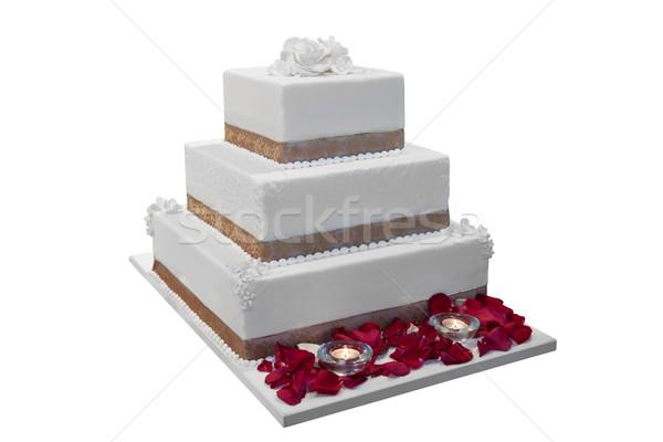 Stockfoto: Elegante · bruidstaart · ingericht · rozenblaadjes · kaarsen · iso