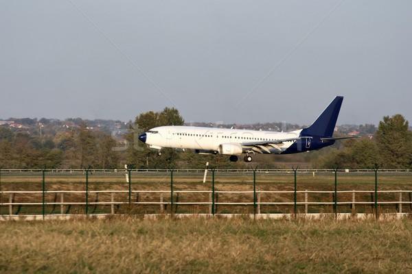Avião aeronave aterrissagem pista negócio viajar Foto stock © Gudella