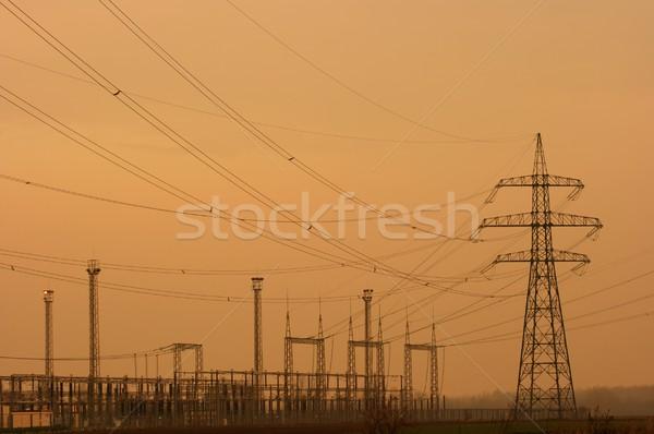 Eletricidade alta tensão elétrico linhas estação quadro Foto stock © Gudella
