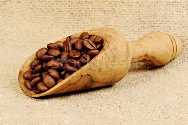 Kahve ahşap kepçe kahve çekirdekleri ahşap içmek Stok fotoğraf © guffoto