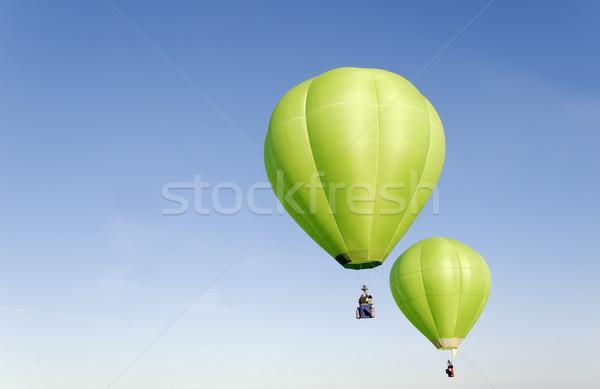 Balony hot powietrza zielone latać balon Zdjęcia stock © guffoto
