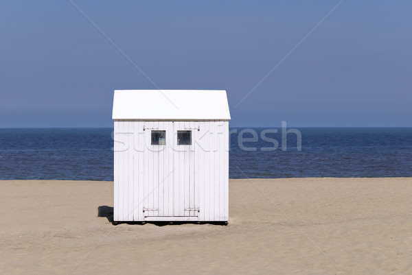 Plaj kulübe kuzey deniz plaj mavi beyaz Stok fotoğraf © guffoto