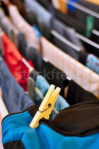 Szennyes ruhaszárító nedves ruházat kék piros Stock fotó © hamik