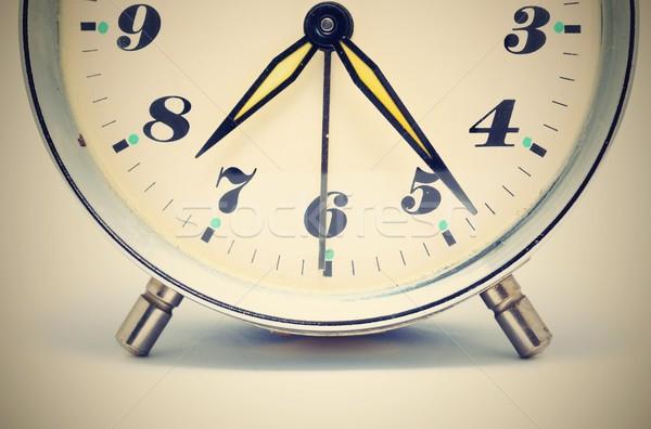 Despertador tiro velho discar amarelo Foto stock © hamik