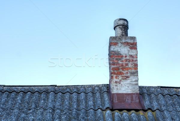 Dachu komin starych cegły górę domu Zdjęcia stock © hamik