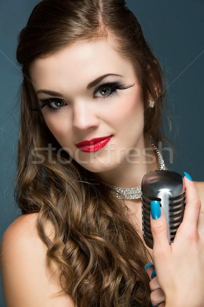 Belo feminino cantora caucasiano menina Foto stock © handmademedia