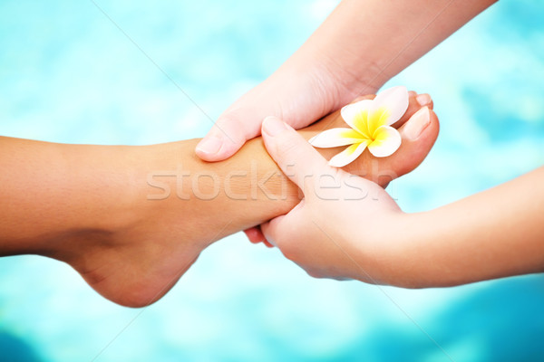 Exotique pied massage spa traitement fille Photo stock © hannamonika
