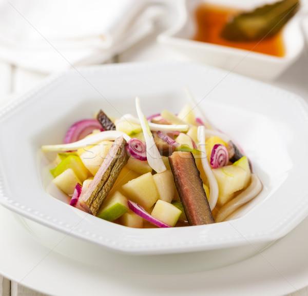 Saláta aszalt alma hagyma hal stock Stock fotó © hansgeel
