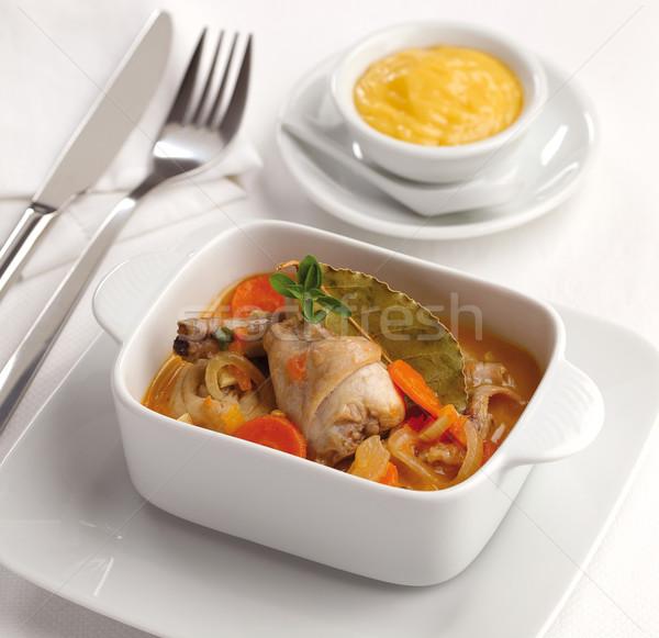 Lapin préparé sauce oignons carottes champignons Photo stock © hansgeel