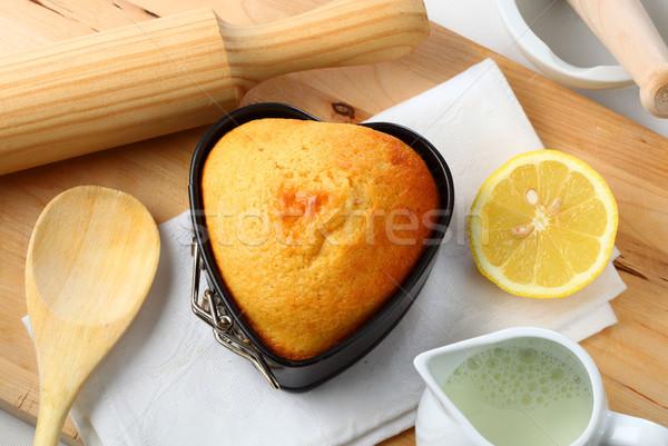 Sütés szeretet konyhaasztal kellékek szív alakú Stock fotó © hansgeel