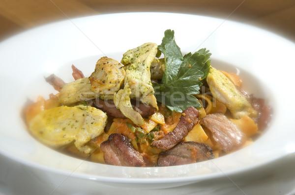 Italiaans pasta spek peterselie gegrilde kip borst Stockfoto © hanusst