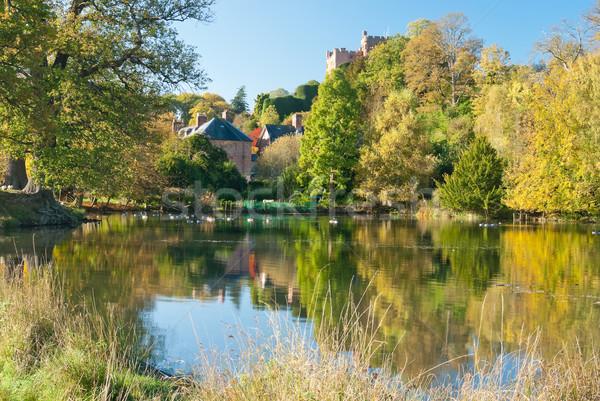 Lagoa árvores país de gales castelo céu Foto stock © hanusst