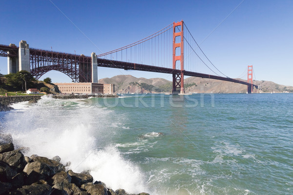 Golden Gate Bridge ondas San Francisco céu água estrada Foto stock © hanusst