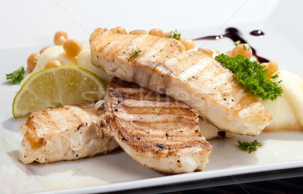 Grillezett krumpli zöldborsó citrom étel hal Stock fotó © hanusst