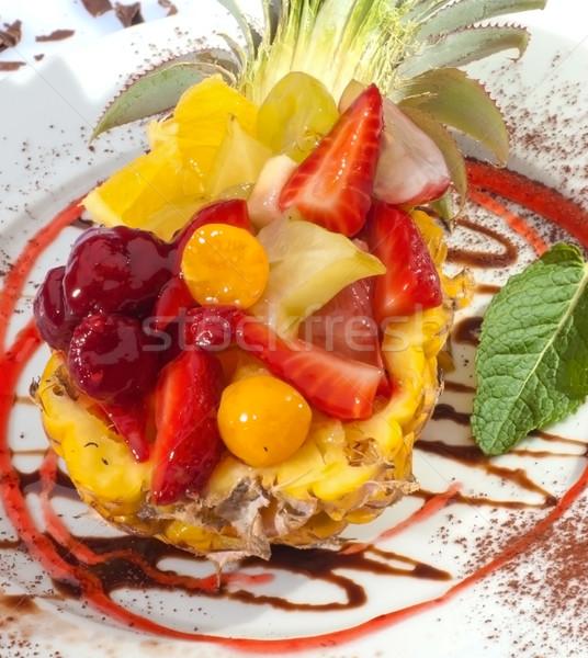 Salada de frutas ananás maçã fundo coquetel almoço Foto stock © hanusst