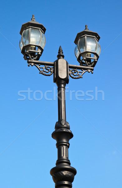 Starych vintage ulicy jasnoniebieski niebo szkła Zdjęcia stock © happydancing