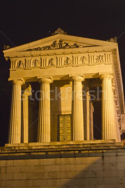 Histórico templo Munich Alemania noche mujer Foto stock © haraldmuc