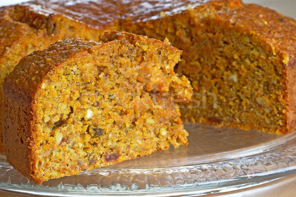 Bolo de cenoura vidro prato comida bolo laranja Foto stock © haraldmuc