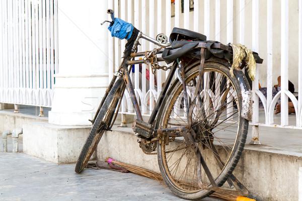 Vieux vélo Delhi Inde Photo stock © haraldmuc