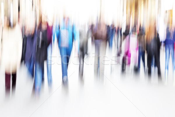 Mensen lopen rond straat vrouwen mannen Stockfoto © haraldmuc