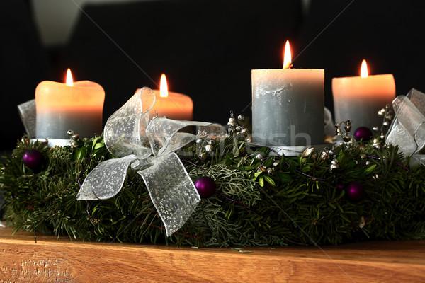 Advent koszorú égő gyertyák tölgy asztal Stock fotó © haraldmuc