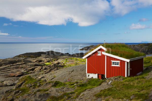 Red hut Stock photo © Harlekino