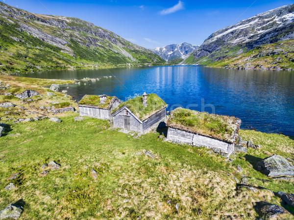 Starych norweski tradycyjny malowniczy jezioro góry Zdjęcia stock © Harlekino