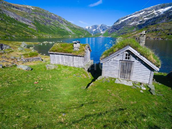 Velho norueguês pitoresco lago montanhas montanha Foto stock © Harlekino