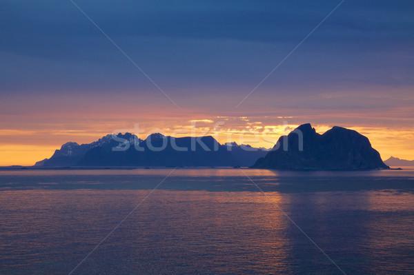 Gece yarısı güneş manzaralı Norveç kutup Stok fotoğraf © Harlekino