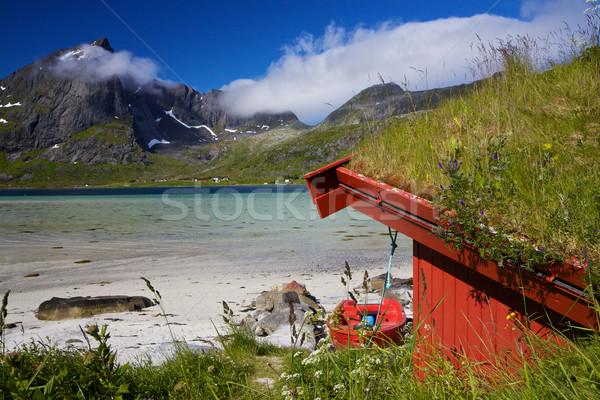 Pêche hutte traditionnel plage montagne élevé Photo stock © Harlekino