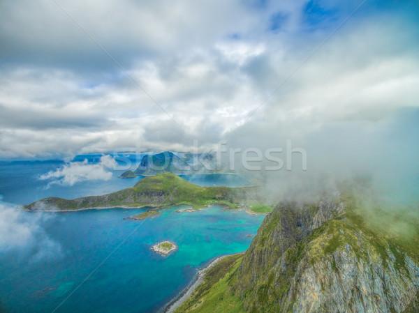 Festői kilátás lélegzetelállító légifelvétel felhők fölött Stock fotó © Harlekino