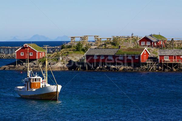 漁船 伝統的な 赤 釣り 住宅 島々 ストックフォト © Harlekino
