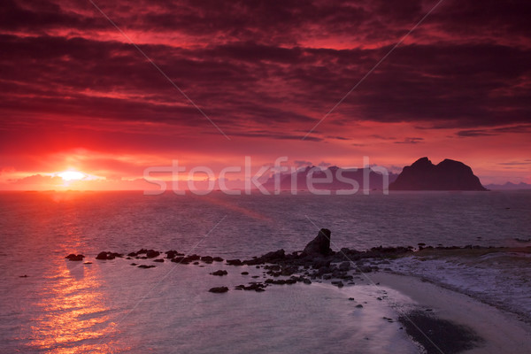 éjfél nap Norvégia festői panoráma szigetek Stock fotó © Harlekino