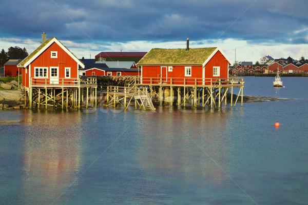 Norueguês pescaria típico vermelho verde telhado Foto stock © Harlekino