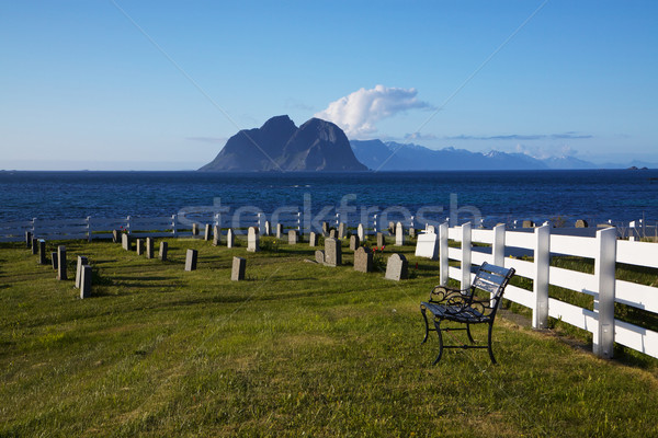 Schilderachtig kerkhof kust eilanden Noorwegen water Stockfoto © Harlekino