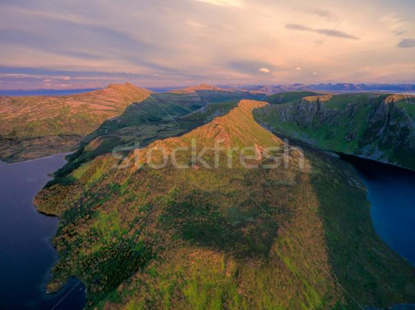 Ilha montanhas belo vôo Noruega Foto stock © Harlekino
