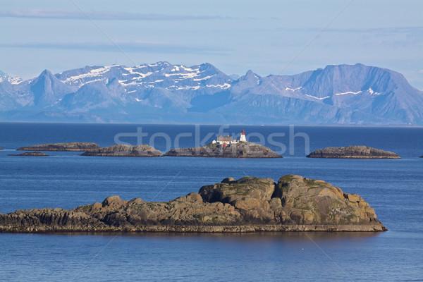 Noors zee kust pittoreske vuurtoren Stockfoto © Harlekino