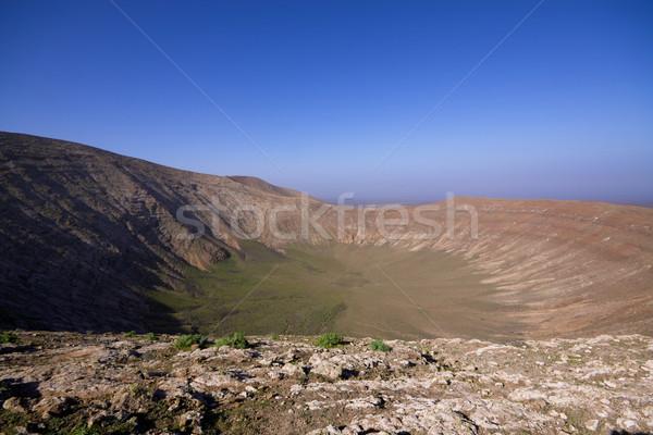 Vulcânico cratera enorme parque ilha canárias Foto stock © Harlekino