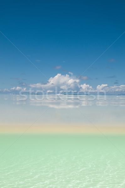 Biały piasek powierzchnia wody obraz niebo piasku Zdjęcia stock © HerrBullermann