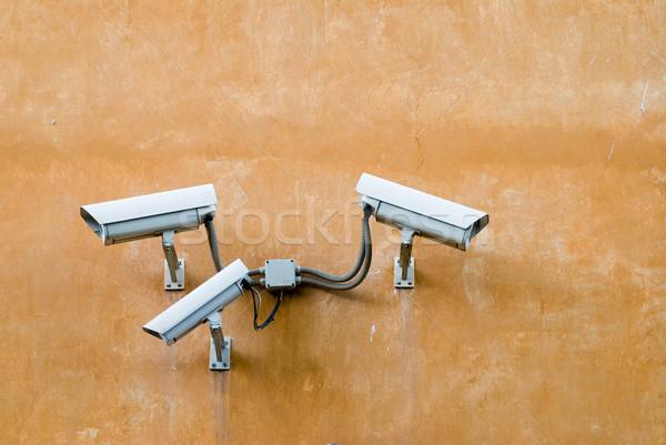 Megfigyelés fényképezőgépek öreg fal három Stock fotó © HerrBullermann