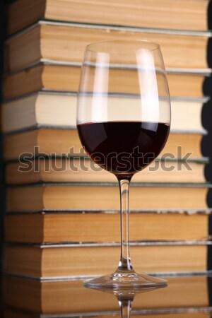 Glas brandewijn boeken permanente Open drinken Stockfoto © hiddenhallow