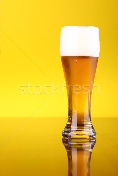 Glas bier heldere Geel licht Stockfoto © hiddenhallow