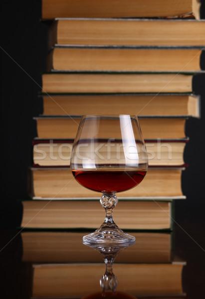 Vidrio brandy libros superficie beber Foto stock © hiddenhallow
