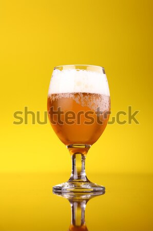 Vidrio cerveza brillante amarillo beber Foto stock © hiddenhallow