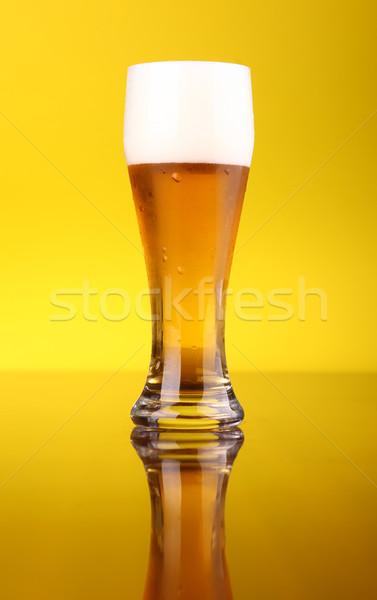 Vidrio cerveza brillante amarillo luz Foto stock © hiddenhallow
