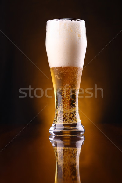 üveg világos sör magas sötét buborékok citromsárga Stock fotó © hiddenhallow